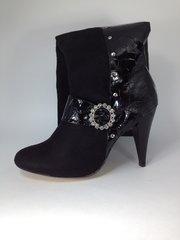 Women's Black Rhinestone Boots Size 9