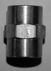 "910B-2D - Brass coupling 1/4"" NPT (F)"