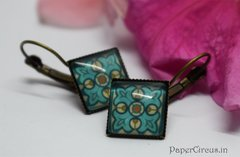 Cabochon Square Earring D6