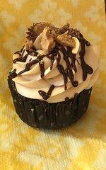 Peanut Butter Cup Cupcake (per dozen)