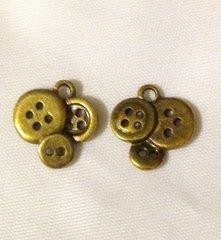 1173. Buttons Pendant