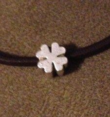 1082. Four Leaf Clover Bead