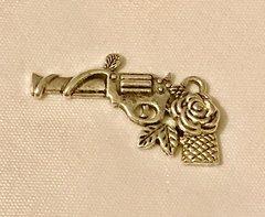 1704. Gun with Rose Pendant