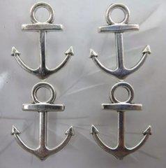 655. Anchor Pendant