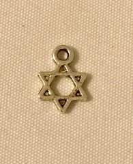 1775. Star of David Pendant