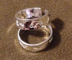 1018. Silver Plated Footprint Adjustable Toe Ring