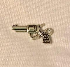 405. Gun Pendant