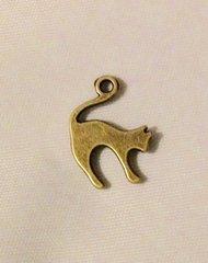 1468. Antique Bronze Cat Pendant