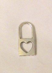 1540. Lock Pendant