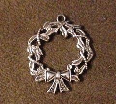 1057. Wreath Pendant