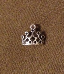 801. Curved Crown Pendant
