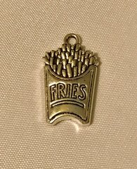 1636. French Fries Pendant