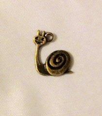 1453. Snail Pendant