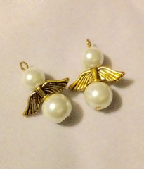 1556. Angel pendant