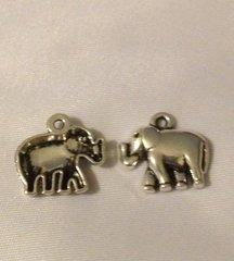 1142. Antique Silver Elephant Pendant