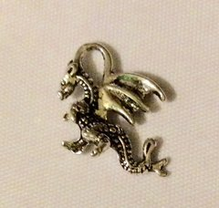1442. Dragon Pendant