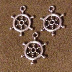 652. Ship Wheel Pendant