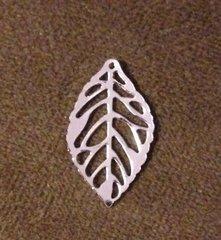 1068. Bright Silver Leaf Pendant