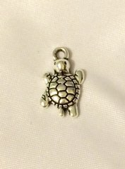 910. Walking Turtle Pendant