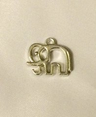 927. Outlined Elephant Pendant