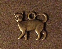 1062. Antique Bronze Cat Pendant
