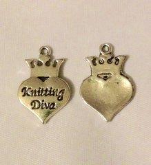 1516. Knitting Diva Pendant