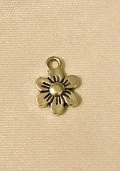 1186. Flower Pendant