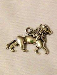 1428. Lion Pendant