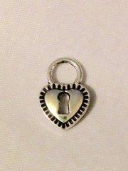 1541. Lock Pendant