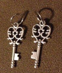 402. Silver Key Pendant
