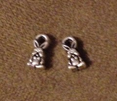 762. Tiny Rabbit Pendant