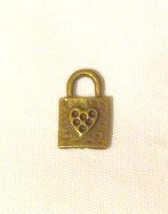 1539. Lock Pendant