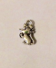 1432. Tiny Mouse Pendant