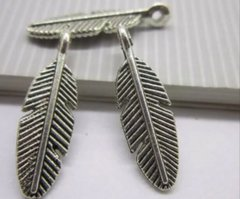 166. Full Feather Pendant