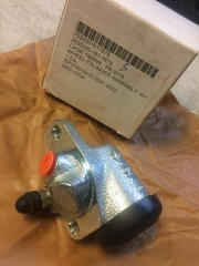 M101 HYDRAULIC BRAKE WHEEL CYLINDER ASSEMBLY 11686267-2 NOS