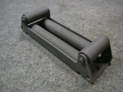 M998, M1113 ROLLER BRACKET 12469434, 2590-01-485-5455 NOS