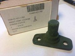 M998 VARIANT REAR HARD DOOR STRIKE 12339386, 5340-01-421-1782 NOS