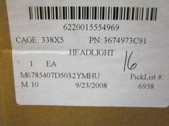 MRAP NAVISTAR RH HEADLIGHT ASSY 3674973C92, 6220-01-555-4969 NOS