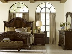 Gables Panel Bed Set