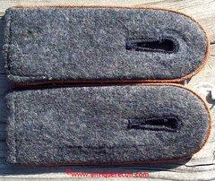 WW II GERMAN LUFTWAFFE SMOKE OR SIGNALS ENLISTED SHOULDER BOARDS