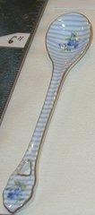 Porcelain spoon A