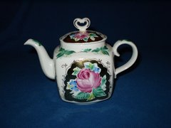 Sweetheart Teapot