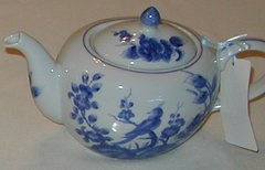 Bird on Blue Vine tea pot