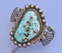 Navajo Sterling cuff with a beautiful Kingman turquoise stone by Leon Martinez.