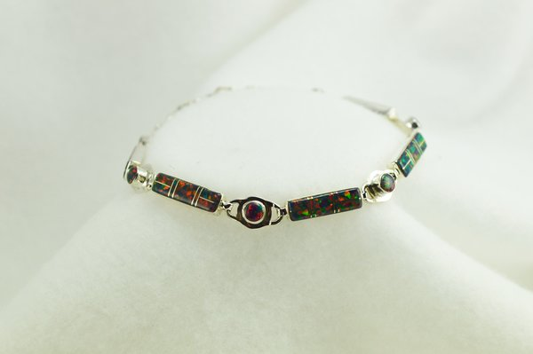 "Sterling silver black opal inlay 8"" link bracelet. B066"