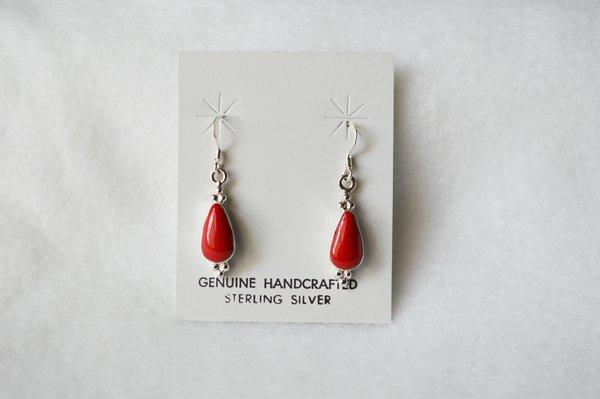 Sterling silver coral medium teardrop earrings. (E065)