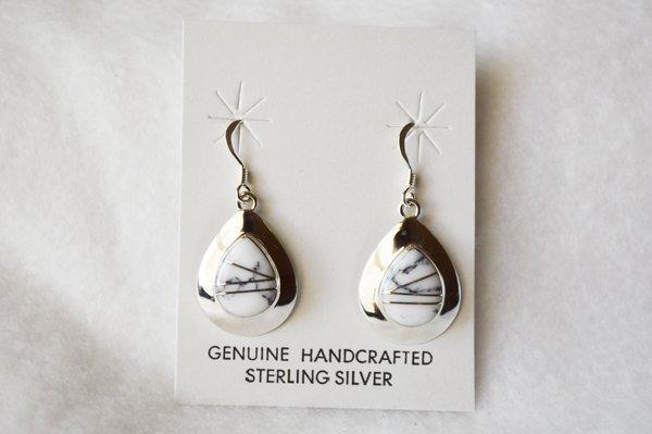 Sterling silver howlite inlay medium teardrop dangle earrings. E209