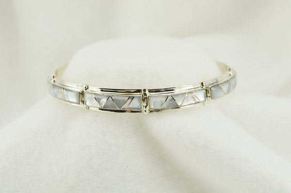 """Sterling silver mother of pearl inlay link 8"""" bracelet. B111"""