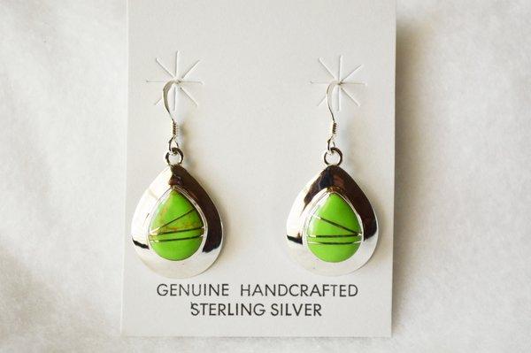 Sterling silver gaspeite inlay medium teardrop dangle earrings. E212