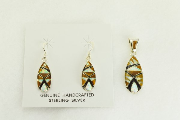 Sterling silver white opal, tiger eye and black onyx inlay corn cob cut out dangle earrings and pendant set. S349